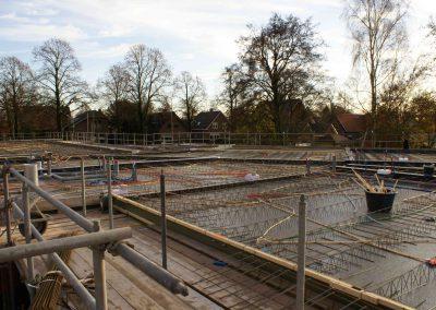 2014-11-24-betonmatten-met-daarin-de-kabelsafvoer-etc-op-de-1e-verdieping-19