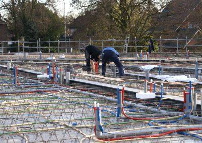 2014-11-24-betonmatten-met-daarin-de-kabelsafvoer-etc-op-de-1e-verdieping-25