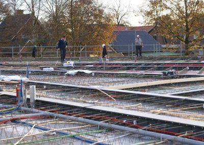 2014-11-24-betonmatten-met-daarin-de-kabelsafvoer-etc-op-de-1e-verdieping-28