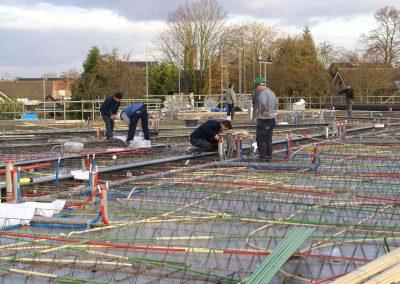 2014-11-24-betonmatten-met-daarin-de-kabelsafvoer-etc-op-de-1e-verdieping-35