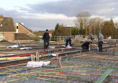 2014-11-24-betonmatten-met-daarin-de-kabelsafvoer-etc-op-de-1e-verdieping-37
