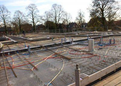 2014-11-24-betonmatten-met-daarin-de-kabelsafvoer-etc-op-de-1e-verdieping-7