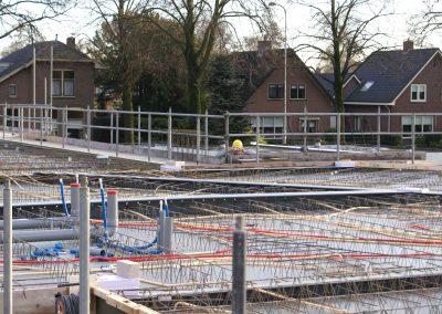 2014-11-24-betonmatten-met-daarin-de-kabelsafvoer-etc-op-de-1e-verdieping-9