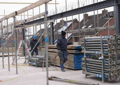 2014-12-03-voorbereidingen-voor-metselen-van-de-stenen-op-1e-verdieping-26