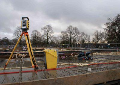 2014-12-15-betonmatten-met-daarin-kabels-en-afvoer-buizen-19