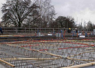 2014-12-15-betonmatten-met-daarin-kabels-en-afvoer-buizen-22