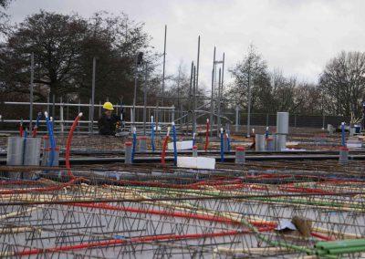 2014-12-15-betonmatten-met-daarin-kabels-en-afvoer-buizen-24