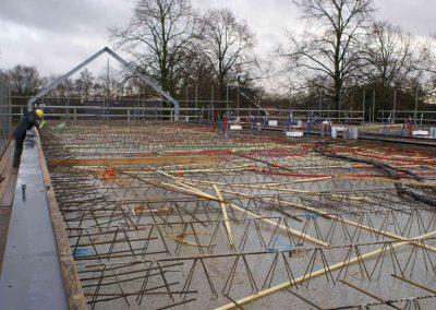 2014-12-15-betonmatten-met-daarin-kabels-en-afvoer-buizen-4