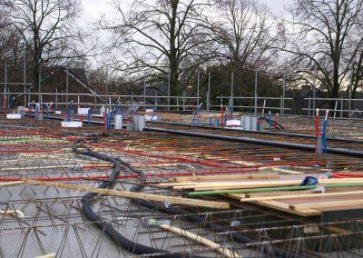 2014-12-15-betonmatten-met-daarin-kabels-en-afvoer-buizen-6