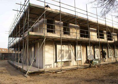 2015-01-05-vloeren-zijn-afgewerkt-spanten-gezet-op-3e-etage-14