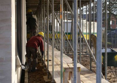 2015-01-05-vloeren-zijn-afgewerkt-spanten-gezet-op-3e-etage-16