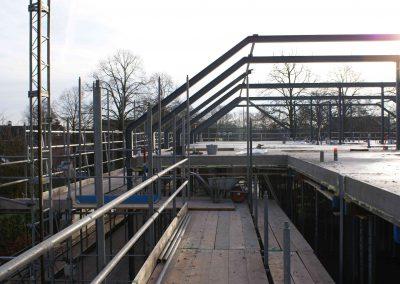 2015-01-05-vloeren-zijn-afgewerkt-spanten-gezet-op-3e-etage-20