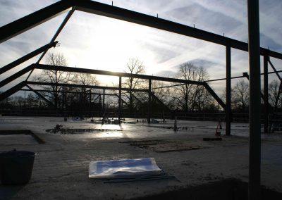 2015-01-05-vloeren-zijn-afgewerkt-spanten-gezet-op-3e-etage-27
