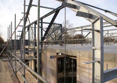 2015-01-05-vloeren-zijn-afgewerkt-spanten-gezet-op-3e-etage-34