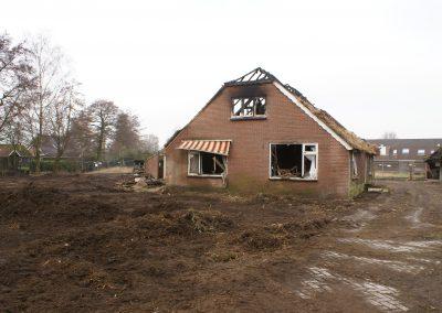 2013-02-26-fa-de-vries-is-met-slopen-begonnen-3