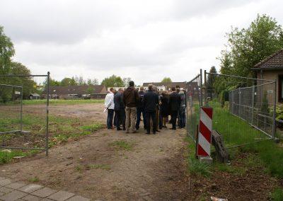 2013-05-14-delegatie-gemeente-ede-komen-een-kijkje-op-het-terrein-nemen-6